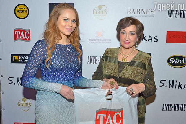Зинаида Кириенко на дне рождения Никаса Сафронова