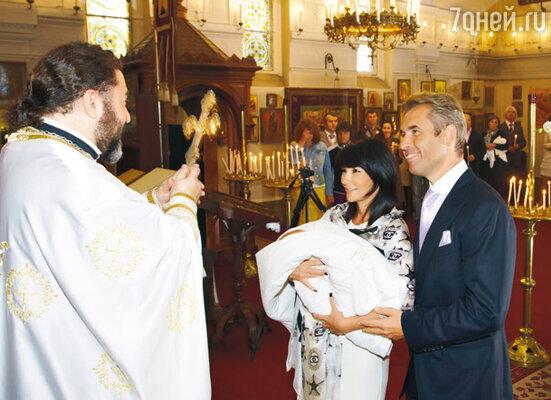 «Для обряда крещения сына мы выбрали православный храм Архистратига Михаила в самом центре Канна»