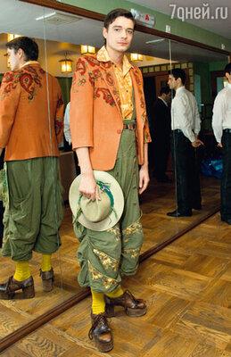 Максим Матвеев в костюме из спектакля «Конек-Горбунок»