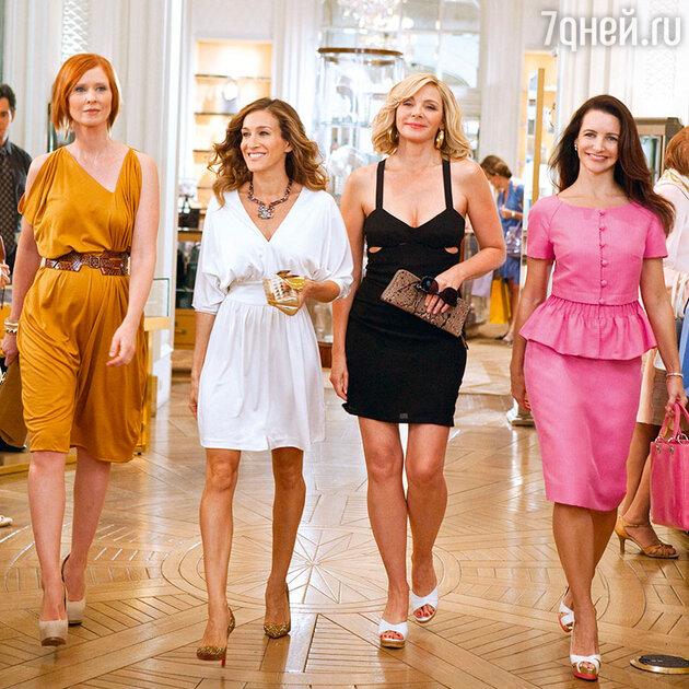 Синтия Никсон, Сара Джессика Паркер, Ким Кэттролл и Кристин Дэвис вфильме «Секс в большом городе 2». 2010 г.