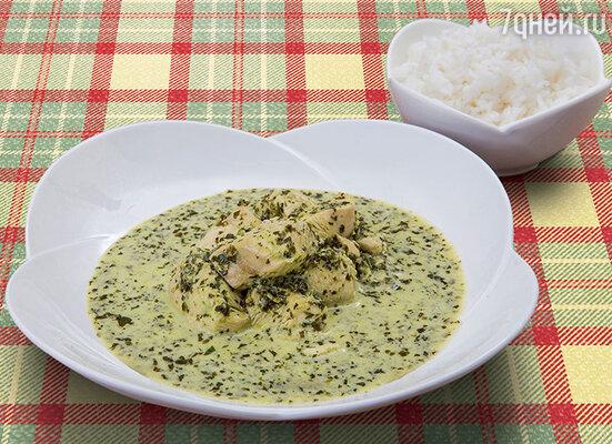 Зеленое карри с курицей и жасминовым рисом