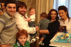Эвелина Блёданс отметила первый день рождения сына