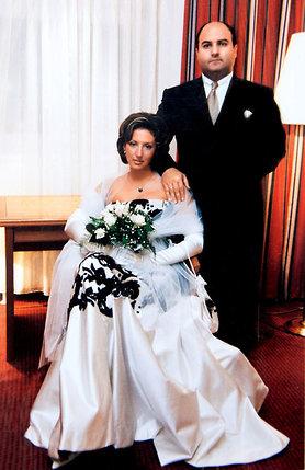 «Вторым моим мужем стал Гриша Беджамов. Представитель древнего народа— ассирийского, чем меня сразил и заинтриговал»