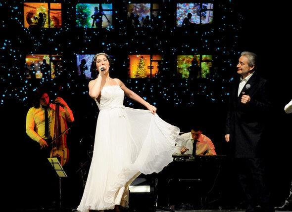 С отцом Вениамином Смеховым в спектакле «Двенадцать месяцев танго»