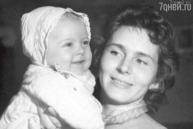 Кира Мачульская с дочерью Аленой Яковлевой