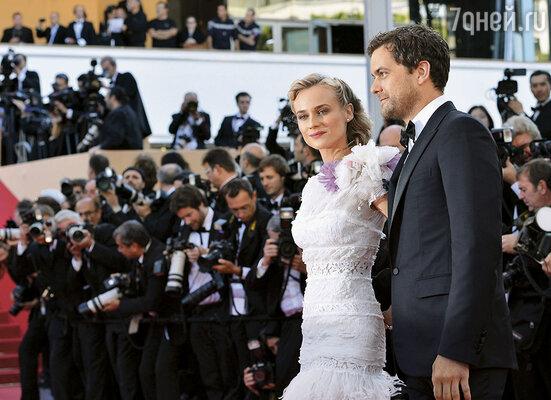 Телезвезда Джошуа Джексон приехал на Каннский фестиваль только для того,  чтобы повидаться со своей невестой Дианой Крюгер