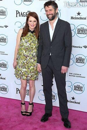 Джулианна Мур с мужем