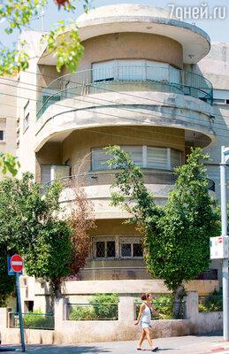 На балконы баухаузов большую часть дня непроникают солнечные лучи