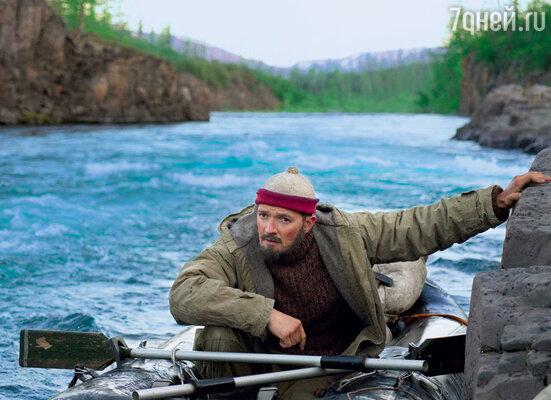 Егор Бероев научился управлять и резиновой лодкой на горной реке, и китобойным баркасом на Чукотском море