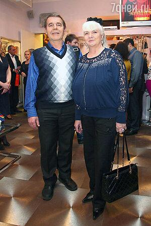 Алексей Булдаков с женой на праздновании дня рождения Эммануила Виторгана