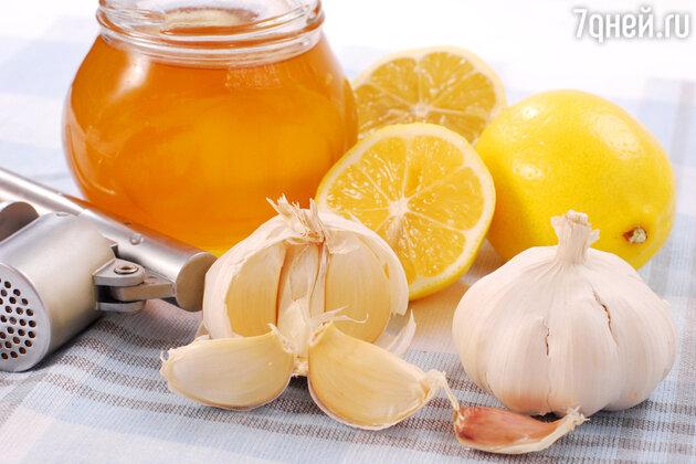 Помочь организму в борьбе с простудой можно усиленной дозой витамина С — в таблетках или в цитрусовых