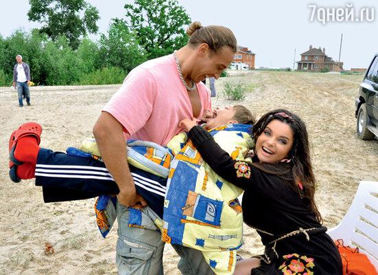 Наташа и Сергей с сыном Архипом