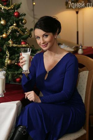 В конце рабочего дня Екатерина позволяет себе кефир с низким процентом жирности или чашечку зеленого чая