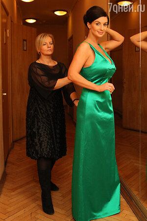 Екатерина Стриженова с сестрой модельером Викторией Андрияновой