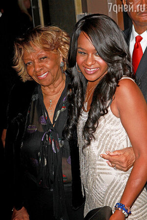 Бобби Кристина Браун с бабушкой