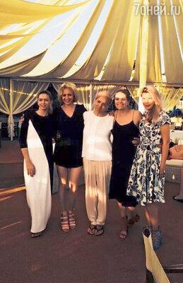В день рождения Тамары Витальевны Вера с сестрами подарили маме поездку в Италию. 2014 г.