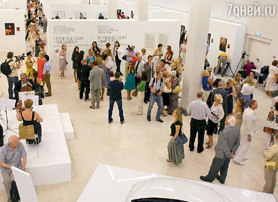 Манеж едва вместил всех желающих побывать на открытии выставки