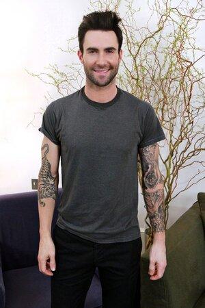 Солист группы «Maroon 5» Адам Левин