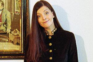 Гардероб звезды: Евгения Крюкова показала свои винтажные и самодельные наряды