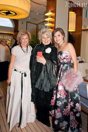 Елена Водорезова, Татьяна Тарасова и Аделина Сотникова
