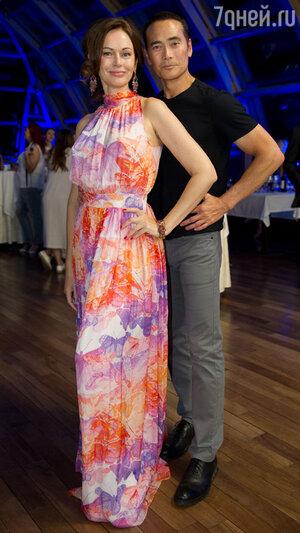 Ирина Безрукова с голливудским актером Марком Дакаскосом