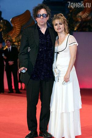 Хелена Бонем Картер и Тим Бертон на Венецианском международном кинофестивале