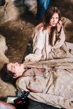 Матвей Лыков и Мария Поезжаева на съемках фильма «Драконы»