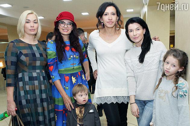 Юлия Костюшкина, Эвелина Блёданс, Елена Борщёва, Екатерина Волкова