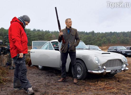 Дэниел Крэйг уже подписал контракт на два следующих фильма о Бонде. К тому времени ему будет 50 лет, а возраст — серьезное испытание для всех актеров, примерявших насебя давно ставшую легендой роль