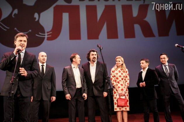 В кинотеатре «Октябрь» состоялась премьера нового фильма коллектива «Квартет И»