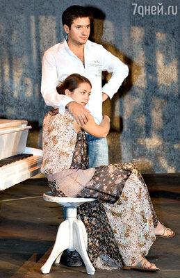 «Всеми силами я уговаривала Ваню Стебунова остаться в театре. И счастлива, что сумела убедить. Думаю, сейчас и он очень доволен»