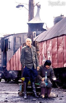 Сергей Гармаш играет в картине майора НКВД, а Александр Баширов — охотника