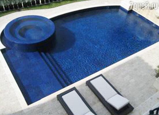 Дом в Майами. Бассейн