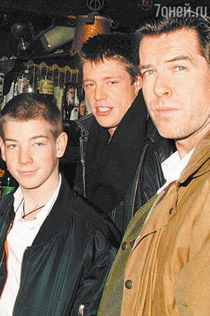 Пирс Броснан с сыновьями