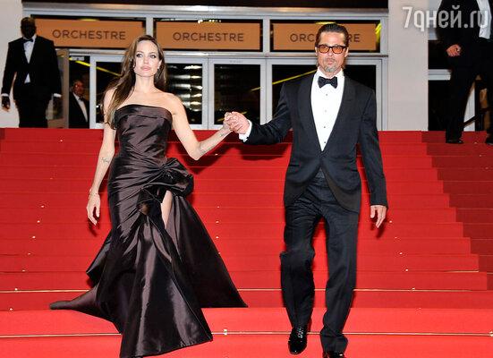 В ближайшие два года Анджелина Джоли и Брэд Питт сыграют свадьбу — это будет весьма необычная церемония