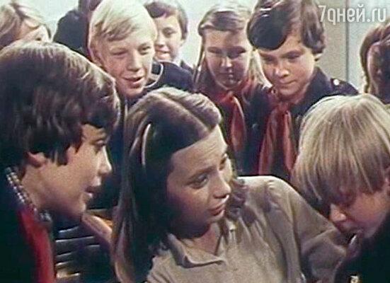 Кадр из фильма «4:0 в пользу Танечки» 1982 год