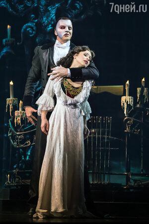 Сцена из мюзикла «Призрак Оперы»