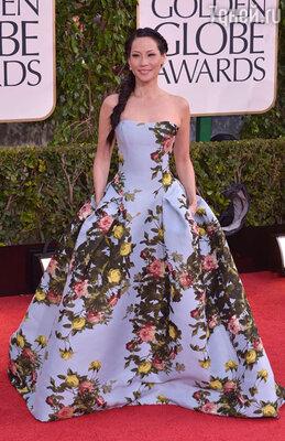 Люси Лью (платье «Carolina Herrera», туфли «Giuseppe Zanotti», клатч «Ferragamo», драгоценности «Lorraine Schwart»)