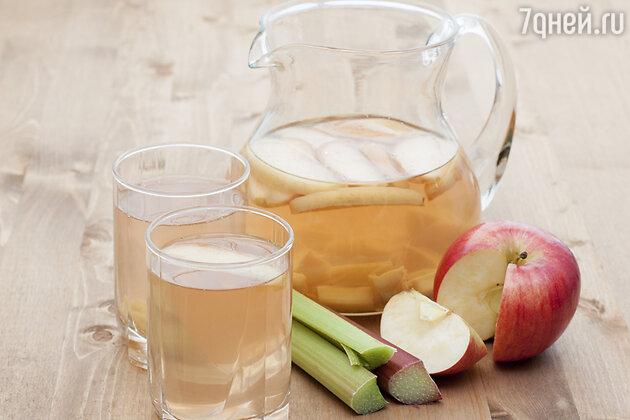 Яблочный пунш с ревенем