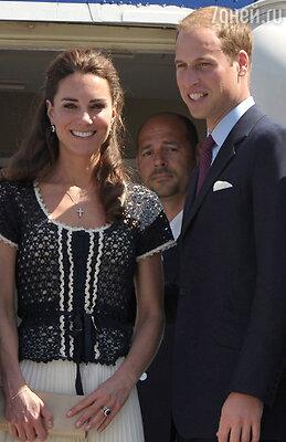 ...именно это кольцо принц Уильям подарил в честь помолвки своей невесте Кейт Миддлтон