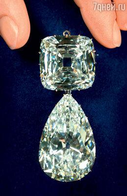 Брошка «Бабушкины осколки» — с бриллиантами «Куллинан III» и «Куллинан IV» — считается самой дорогой в мире