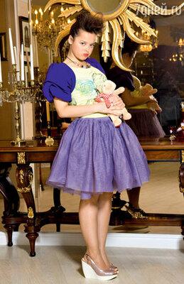 Фиолетовая пачка — один из первых сценических костюмов Медведевой. Однажды, повинуясь импульсу, в этом наряде актриса в финале выступления... сиганула в бассейн