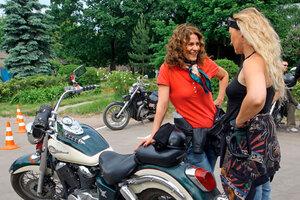 Елена Сафонова влюбилась в железного коня