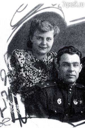 Леонид Брежнев с фронтовой подругой медсестрой Тамарой Левченко