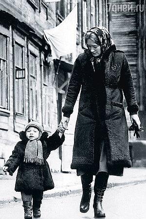 Людмила Полякова с сыном Ваней