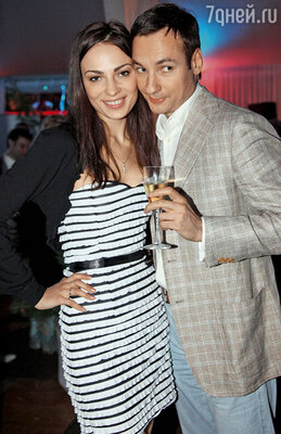 Павел Санаев с женой
