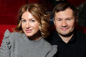 Алексей Немов вышел в свет с женой и подросшим сыном