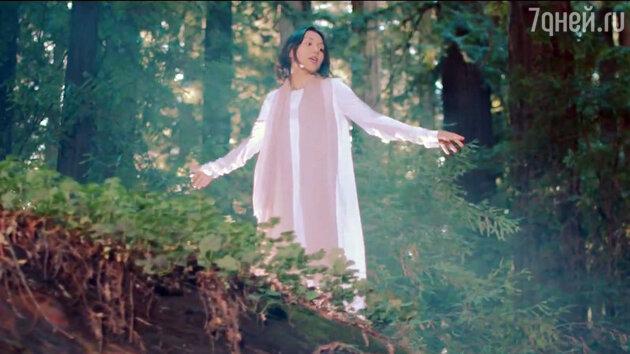 Севара в новом клипе появляется на фоне потрясающе красивых пейзажей