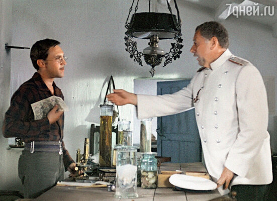 С Владимиром Высоцким в фильме «Плохой хороший человек». 1973 г.