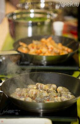 Мы не просто готовим какое-то блюдо по своему рецепту, мы в точности исполняем рецепт, практически вслепую выбранный в интернете